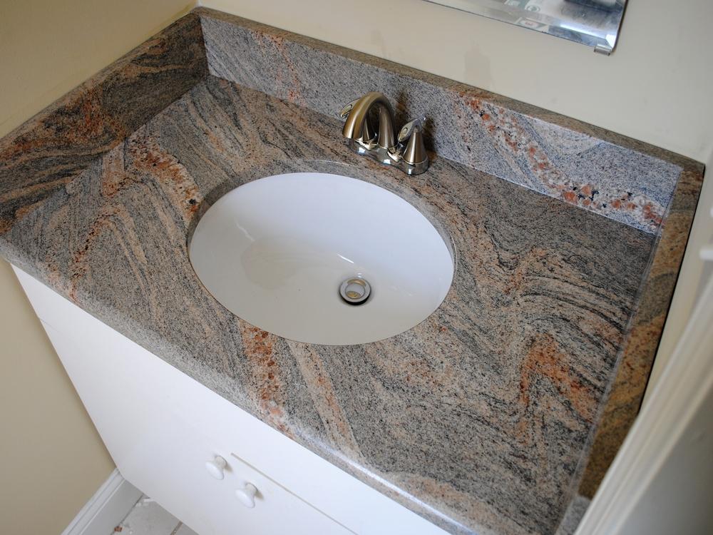 Arbeitsplatte Badezimmer Waschtisch Wir Verkleiden Bader Mit Granit Und Verlegen Granitfliesen Stein Muznik